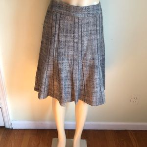 Ann Taylor tweets Elegant chic 6 panel skirt